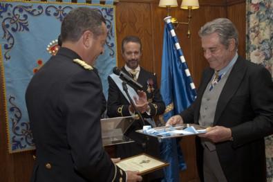 En primer plano el Ilmo. Sr. Coronel D. Carlos Diez de Diego y el Excmo. Sr. D. Francisco de Borbón, Duque de Sevilla. Al fondo el Excmo. Sr. D. Manuel Mª Rodríguez de Maribona y Dávila